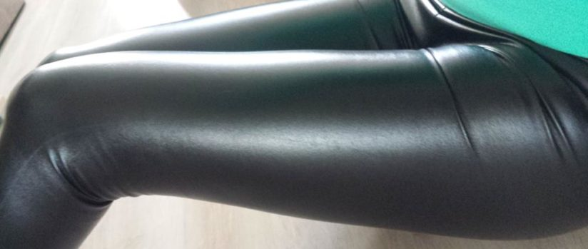 slim-leather-legging